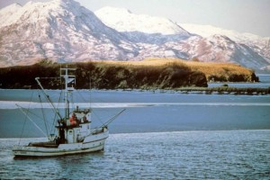 transportation-boat-on-water_w725_h485